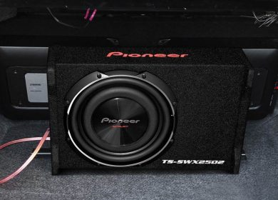 Method to connect a subwoofer with a stereo without an amp in a car